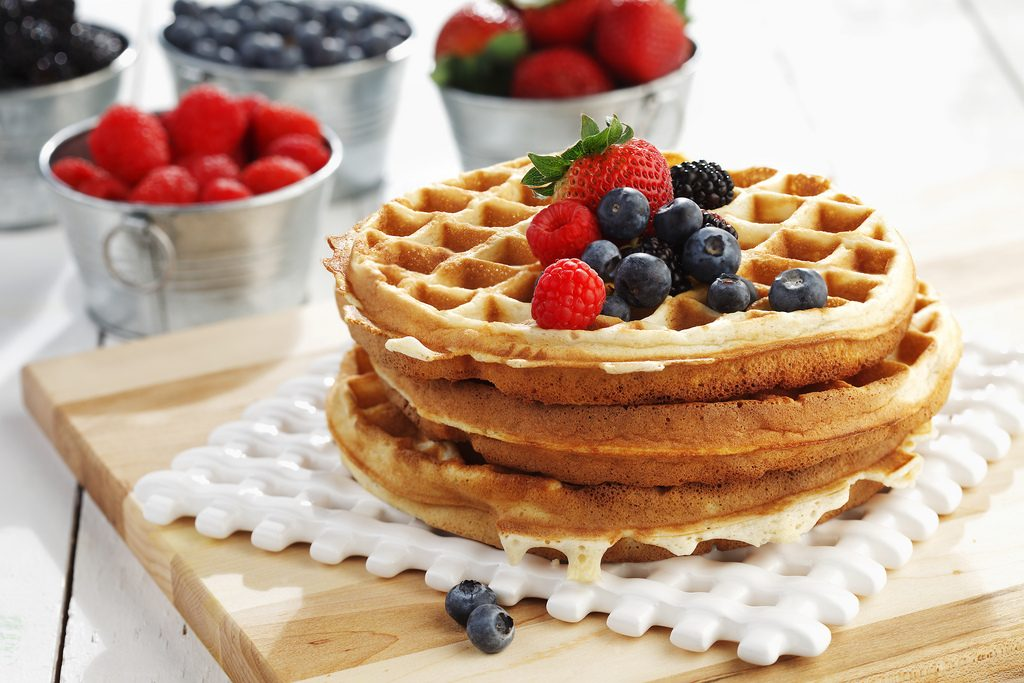 Waffle with Berries | www.canolaeatwell.com