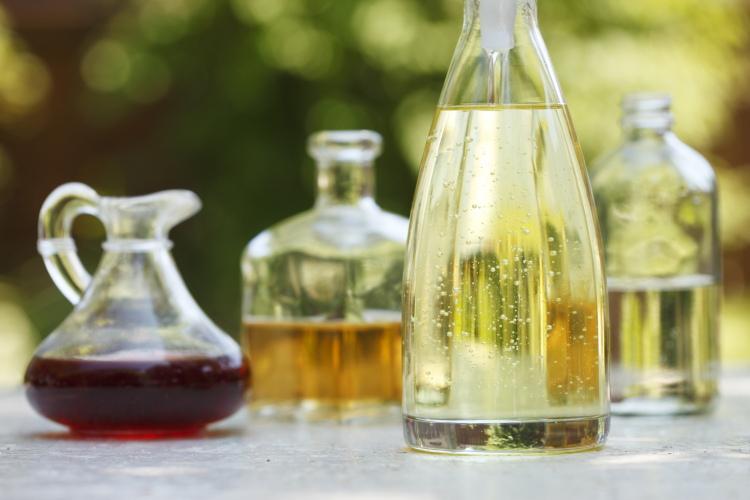 Canola oil and Vinegar | www.blog.canolarecipes.ca