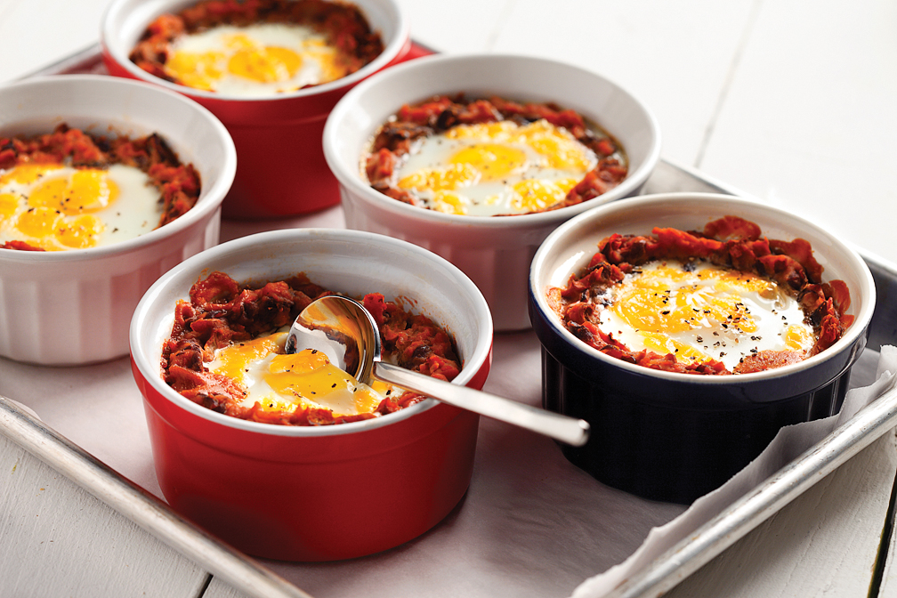 Mexican-Baked-Eggs-and-Black-Beans-CanolaInfo