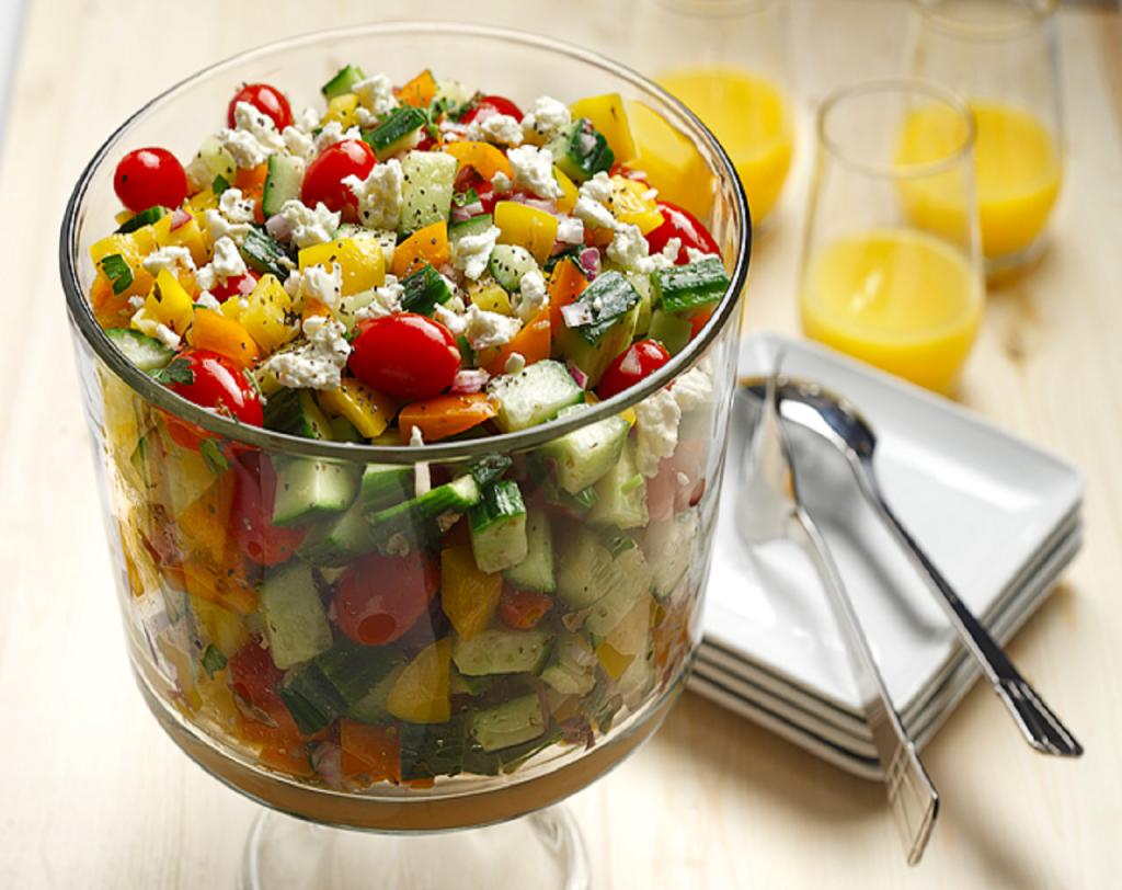 Greek Salad | www.canolaeatwell.com