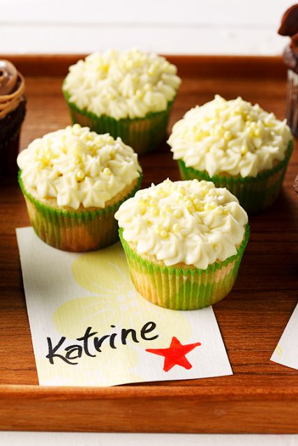 Lemon Cupcake with Cheesecake Frosting