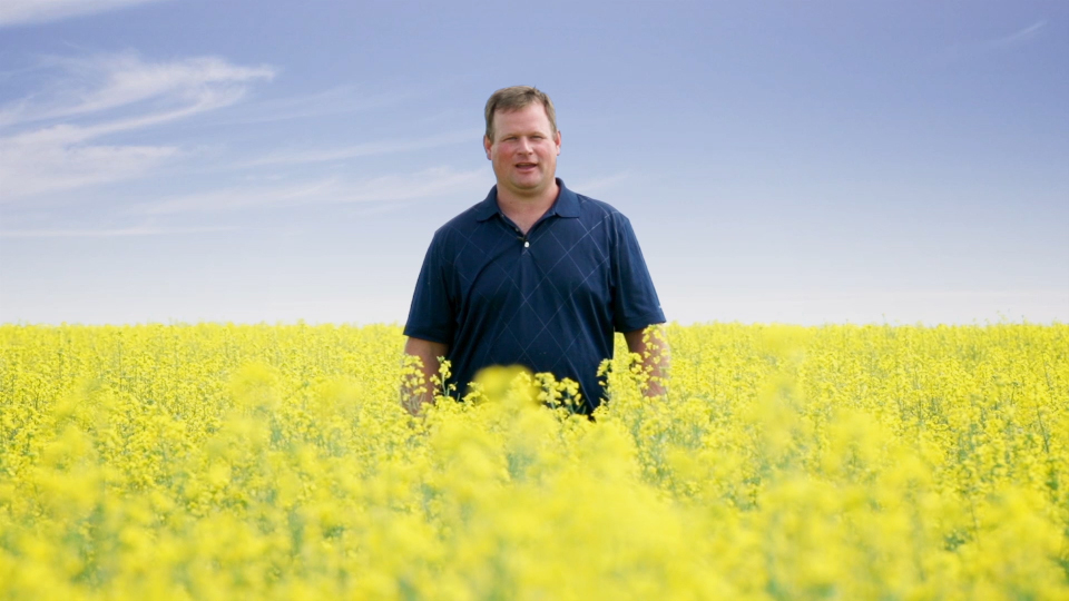 Farmer Curtis McRae | www.canolaeatwell.com