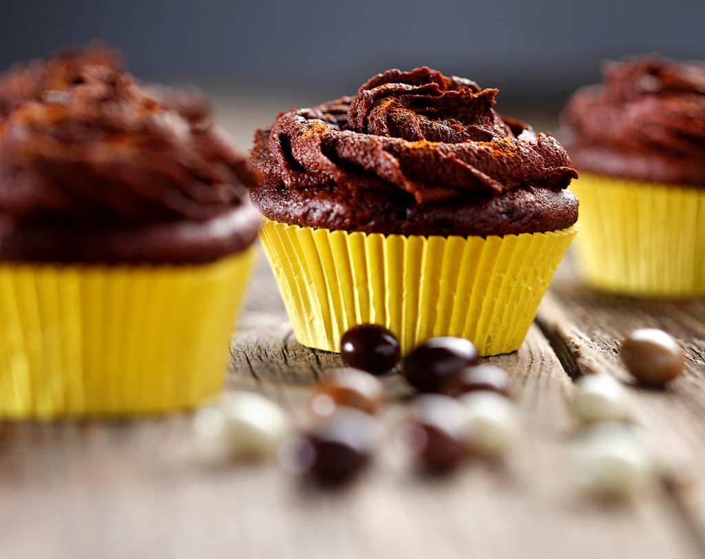 Mexican Hot Chocolate Cupcake | www.canolaeatwell.com
