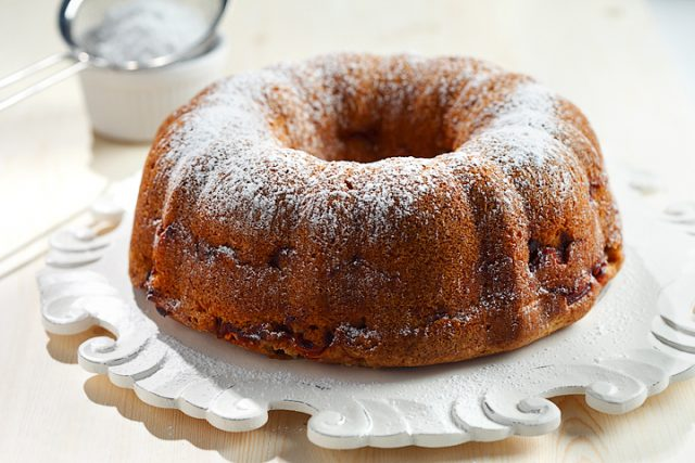 Apple Chai Bundt Cake