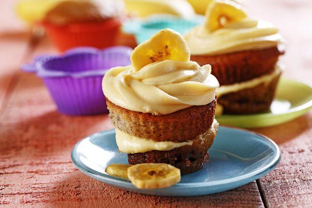 Banana Walnut Torte Cupcakes