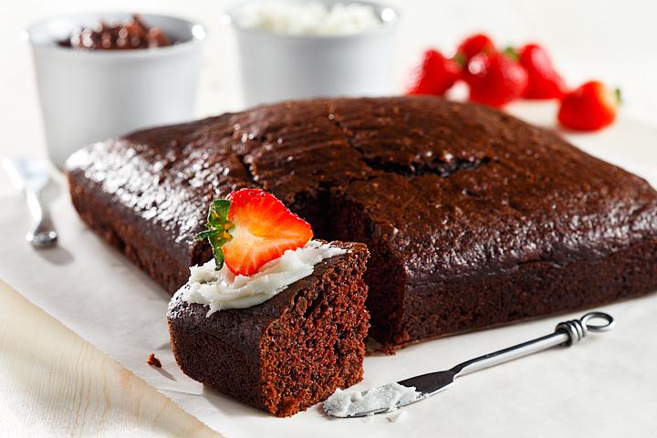 Chocolate Cake | www.canolaeatwell.com