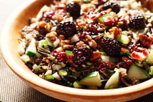 Crunchy Wild Rice Salad with Blackberry Dressing | www.canolarecipes.ca