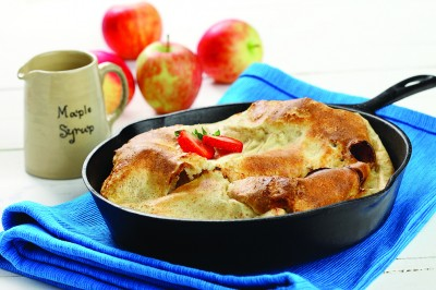 Warm Apple Pancake | www.canolaeatwell.com