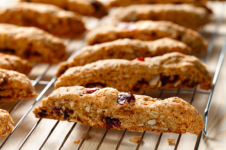 Cranberry Almond Biscotti | Eat Well