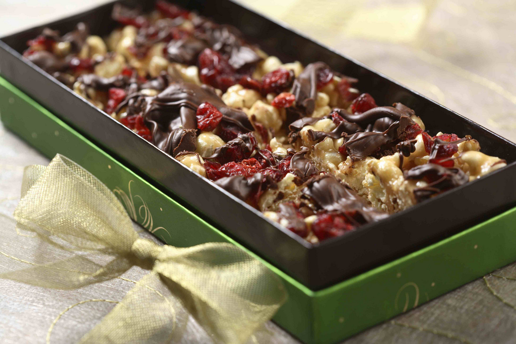 Honey Peanut Butter & Chocolate Popcorn | Eat Well