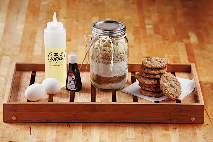 Oatmeal White Chocolate Chunk Cookies (in a Jar)