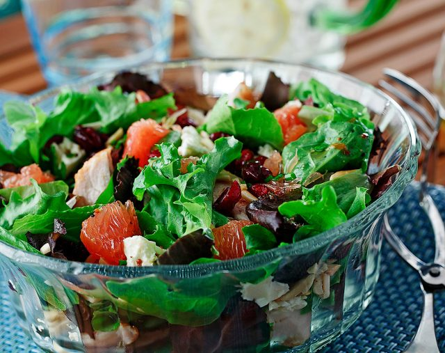 Grilled Grapefruit and Chicken Salad