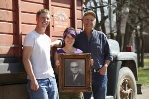 Megan Ellis Family | www.canolaeatwell.com