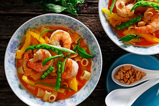 Red Thai Curry Prawn Pasta Bowl