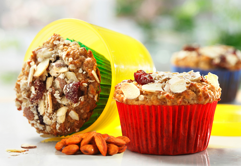Muesli Muffins with Almonds and Cranberries | www.canolaeatwell.com