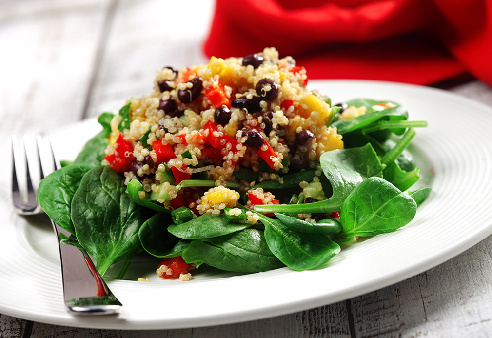 Quinoa, Black Bean & Mango Salad | www.canolaeatwell.com