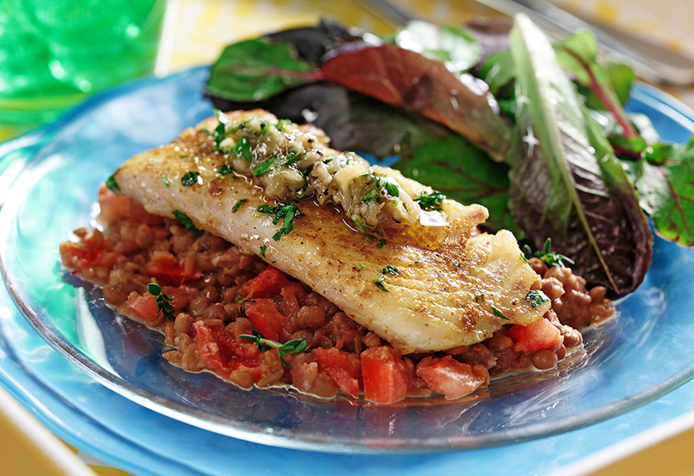 White Fish with Roasted Garlic and Lentil Mash | www.canolaeatwell.com