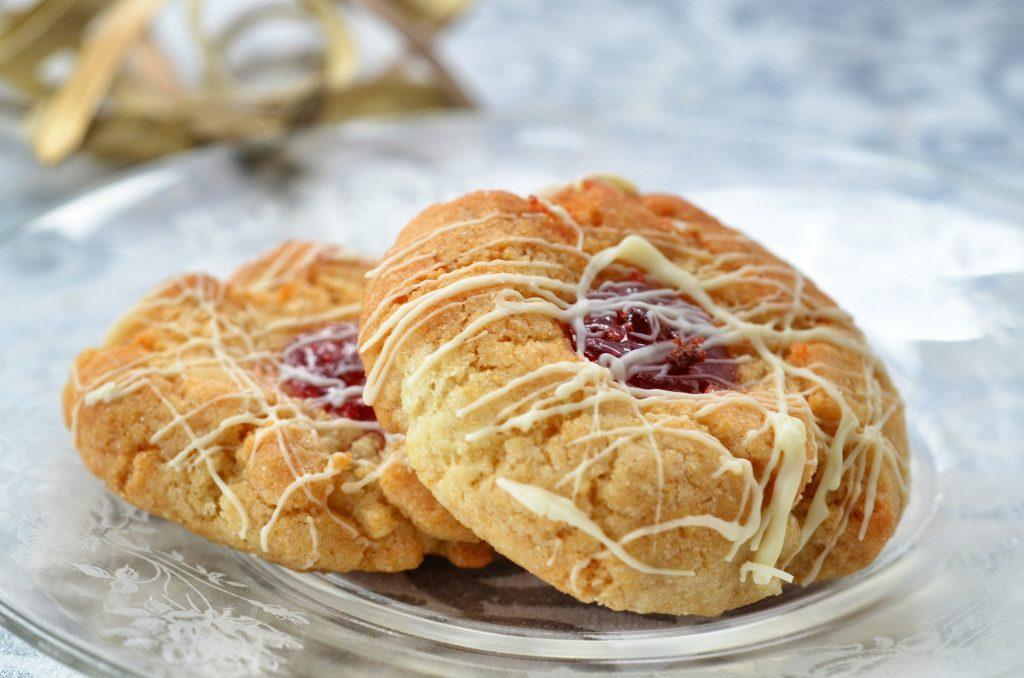 White Chocolate Raspberry Thimble Cookies