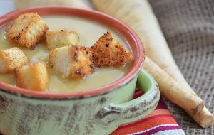 Maple Parsnip Soup - Shel Zolkewich | www.canolaeatwell.com