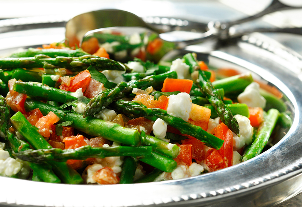 Creamy Asparagus with Tomato