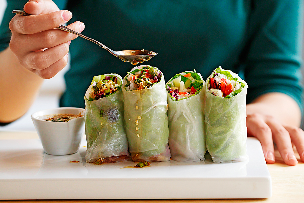Vegetable Summer Rolls with Sesame Soy Dipping Sauce | www.canolaeatwell.com