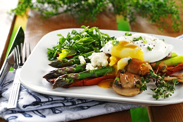 Poached Eggs with Asparagus & Mushrooms on Sweet Potato Toast