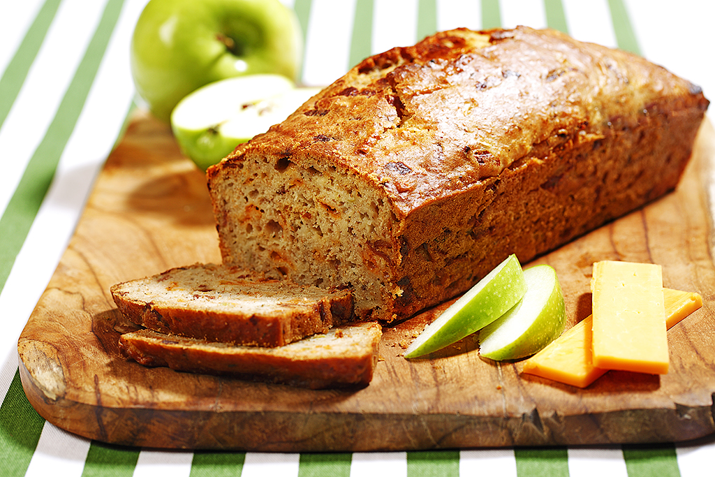 Apple Cheddar Bacon Loaf Eat Well