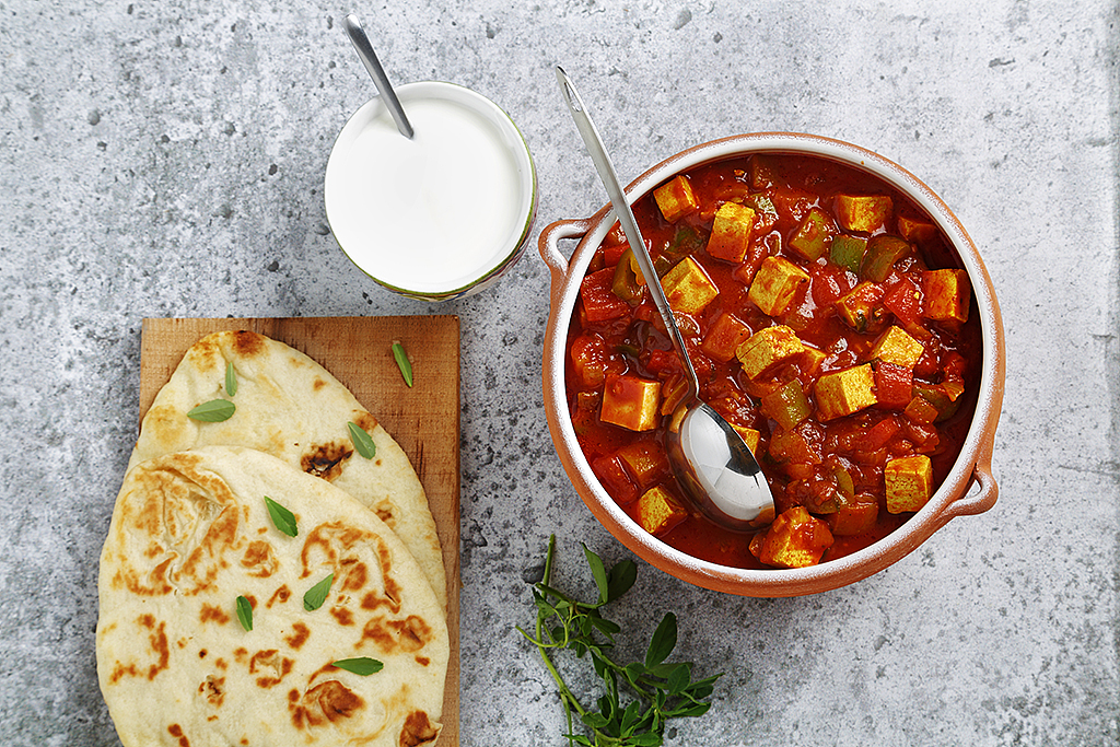 Indian Tofu Chili | www.canolaeatwell.com