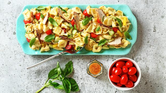 Mediterranean Tortellini Pasta Salad